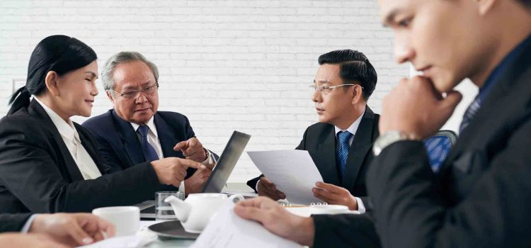 How Do I Choose A Law Firm To Represent Me?