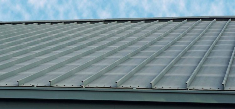 5 tips to use when choosing a commercial metal  roofing contractor